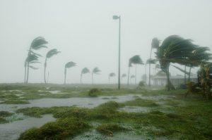 jak powstaje huragan