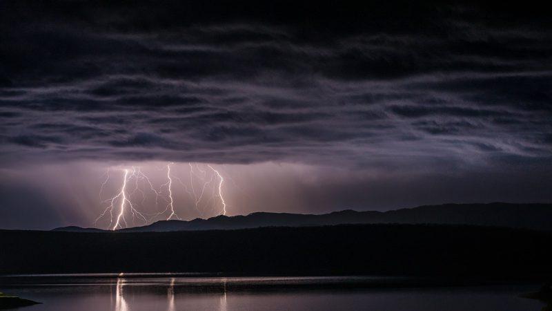 burza - jak powstaje?